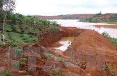 Sụt lún gần hồ chứa nước thải của Nhà máy Alumin Nhân Cơ