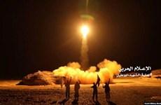Yemen: Houthi phóng 10 tên lửa nhằm vào sân bay của Saudi Arabia