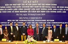 Việt Nam-Anh ký kết ghi nhớ hợp tác về cải cách thủ tục hành chính