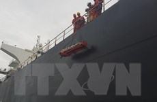 Cấp cứu thuyền viên nước ngoài bị tai nạn lao động trên biển