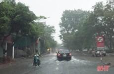 Hà Tĩnh: Mưa lớn kèm lốc xoáy làm tốc mái nhiều nhà dân, trường học