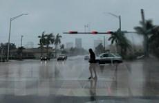 Siêu bão Dorian suy yếu nhẹ nhưng vẫn rất nguy hiểm