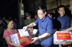Phó Thủ tướng Vương Đình Huệ động viên nhân dân vùng lũ Quảng Bình