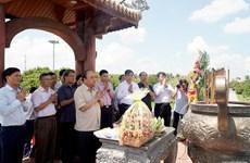 Thủ tướng dâng hương tưởng nhớ anh hùng liệt sỹ tại Thành cổ Quảng Trị