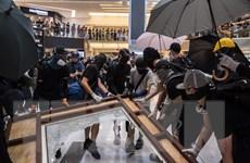 Hong Kong bắt giữ người biểu tình xúc phạm quốc kỳ Trung Quốc