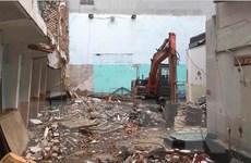 Sập công trình tháo dỡ trường tiểu học, hai người thương vong