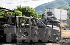 [Video] Tội phạm phục kích cảnh sát Mexico, 14 người chết