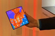 Huawei phát hành điện thoại màn hình gập 5G Mate X ở Trung Quốc