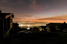 Mỹ: Bang California cắt điện trên diện rộng đề phòng nguy cơ cháy rừng