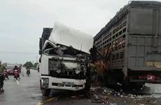 Quảng Trị: Hai ôtô tải đối đầu nhau, 4 người bị thương nặng