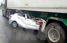 Ôtô lao vào gầm xe đầu kéo trên đường Hồ Chí Minh, 2 người tử vong