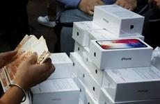 Mỹ phá đường dây lừa đảo, buôn iPhone, iPad giả trị giá 6 triệu USD