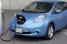 Xe điện - thách thức lớn với các siêu thị và trạm xăng