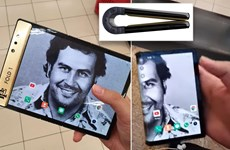 """Anh trai trùm ma túy Escobar ra mắt điện thoại màn hình gập """"siêu bền"""""""