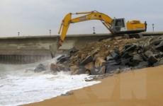 Phú Yên khắc phục khẩn cấp kè biển bảo vệ sân bay Tuy Hòa
