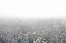 Hình ảnh Hà Nội chìm trong màn sương ô nhiễm đến mức báo động