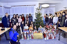 Những tấm lòng Việt góp thêm hơi ấm mùa Giáng sinh tại Séc