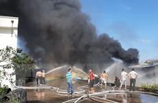 Bình Dương: Kịp thời dập tắt đám cháy tại công ty sản xuất mút xốp