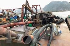Quảng Ninh: Bắt quả tang 6 tàu khai thác cát trái phép
