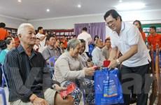 Món quà ấm tình dành tặng 100 gia đình gốc Việt tại Campuchia