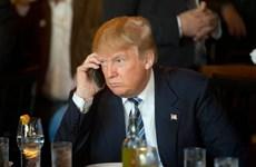 Tổng thống Trump tiếp tục gây áp lực việc Apple từ chối mở khóa iPhone
