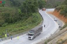 Va chạm với xe tải trên đèo Lò Xo, hai du khách nước ngoài thương vong