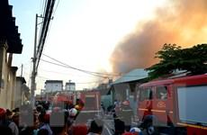 TP. HCM: Cháy lớn tại công ty hóa chất ở quận Bình Tân
