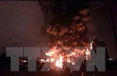 Quảng Ninh: Cháy lớn tại nhà xưởng chứa lốp ôtô và dầu máy