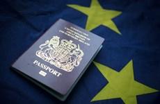 Tạm thời dừng nhập cảnh khách du lịch thuộc khu vực Schengen và Anh