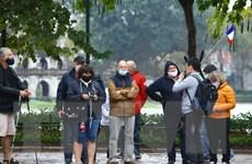 Người nước ngoài đang ở Việt Nam có thể làm thủ tục gia hạn thị thực