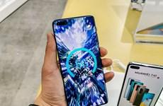 Dù đã bị cấm vận hơn 1 năm, điện thoại Huawei vẫn có linh kiện của Mỹ