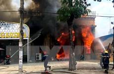 Thành phố Hồ Chí Minh: Cháy lớn ở quán karaoke đang sửa chữa, cải tạo