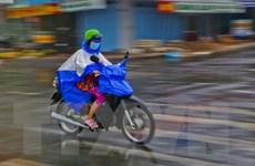 Mưa to kèm thời tiết nguy hiểm ở Nam Bộ kéo dài đến 16/4