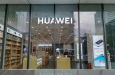 """Huawei thấm """"đòn"""" từ trừng phạt của Mỹ và dịch COVID-19"""