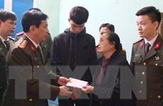 Hỗ trợ gia đình 3 cán bộ, chiến sỹ Công an hy sinh tại xã Đồng Tâm