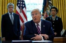 Tổng thống Mỹ ký luật hỗ trợ doanh nghiệp nhỏ và các bệnh viện