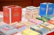 Nghiên cứu sách chính trị là nhiệm vụ thường xuyên của đảng viên