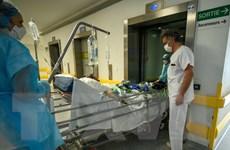 Pháp ghi nhận số ca tử vong COVID-19 theo ngày thấp nhất 5 tuần qua