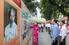 [Photo] Khai mạc Triển lãm ảnh về Chủ tịch Hồ Chí Minh