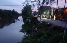 Nam Định: Xe ôtô lao xuống sông, 3 người thương vong