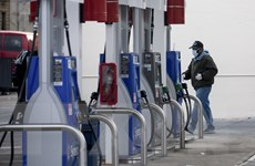 Giá dầu thế giới giảm trước lo ngại về đợt bùng phát thứ hai COVID-19