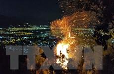 Đà Nẵng: Khó khăn trong dập tắt đám cháy rừng dữ dội ở đỉnh núi Sọ