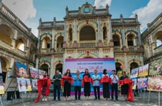 Lào Cai: Khai mạc triển lãm ảnh Tình ca Bắc Hà 3