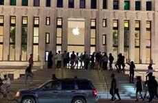 Cảnh đập phá, cướp bóc tại Apple Store ở thủ đô Washington DC của Mỹ