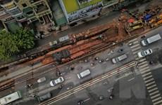 Toàn cảnh 600 mét con đường gốm sứ bị phá dỡ để mở rộng mặt đê