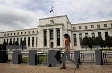 Fed giữ nguyên lãi suất và cảnh báo nguy cơ kinh tế suy giảm mạnh