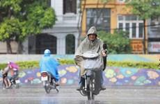 Bắc Bộ và Nam Bộ có mưa dông, Trung Bộ nắng nóng kéo dài