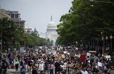 Mỹ điều vệ binh quốc gia bảo vệ các tượng đài tại Washington