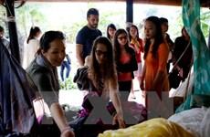 Vụ Khaisilk: Hải quan nói gì về khăn lụa Trung Quốc vào Việt Nam