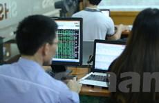 Chứng khoán giằng co, VN-Index may mắn giữ được sắc xanh